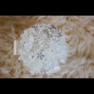 Other - Brooch bouquet